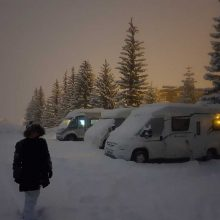 WHY CHOOSING A VAN FOR MOTORHOME SKIING IS DIFFICULT