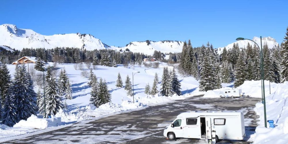 CHOOSING A MOTORHOME FOR SKIING: YOUR OPTIONS